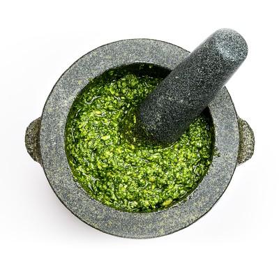 Pesto alla genovese aus dem Mörser